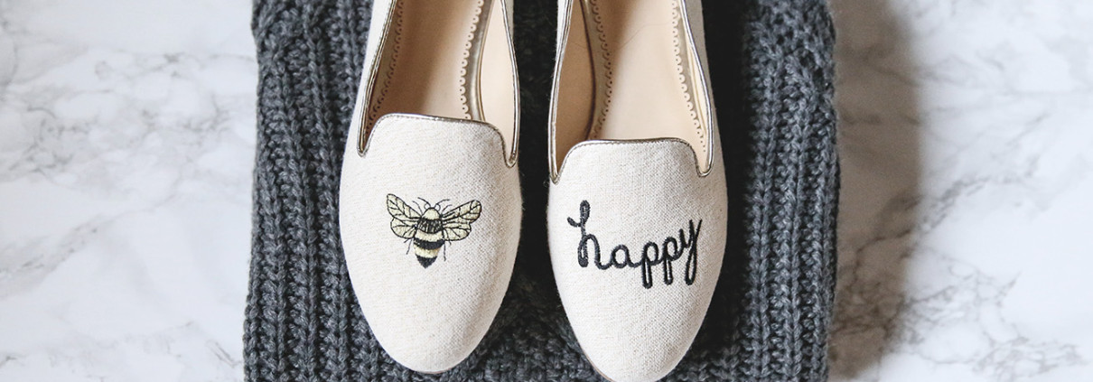 c wonder bee happy smoking slippers